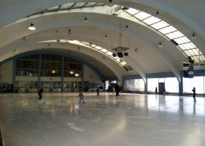rear-view-rink-photo